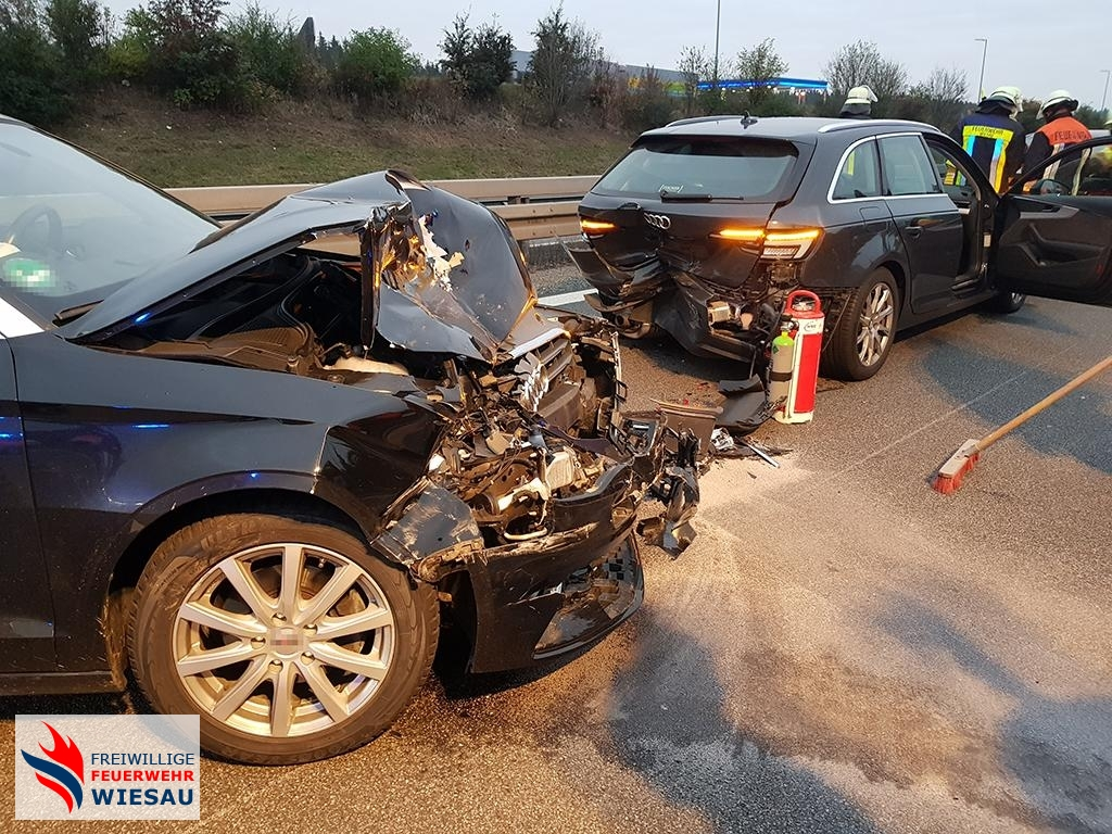 Verkehrsunfall mit mehreren Pkw