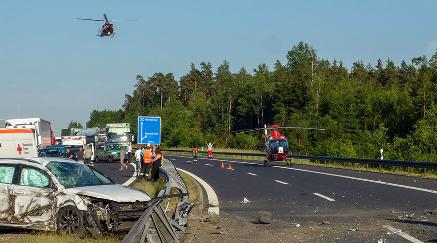 Feuerwehr-Wiesau-VU-Autobahn.jpg